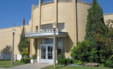 Plains Indians & Pioneers Museum